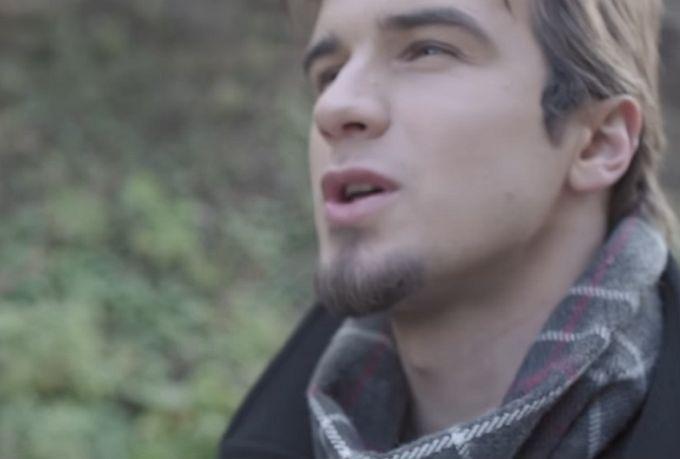 "Pogledajte Dominikov novi spot za pjesmu ""Poljubi me"""