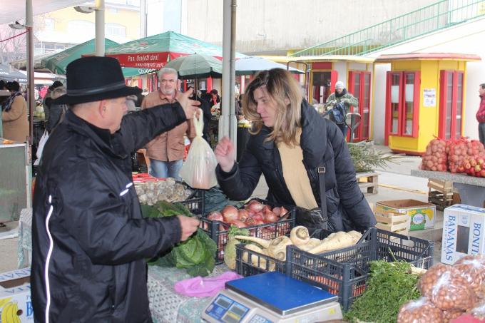 Za kilogram oraha danas se na tržnici tražilo 80 kuna