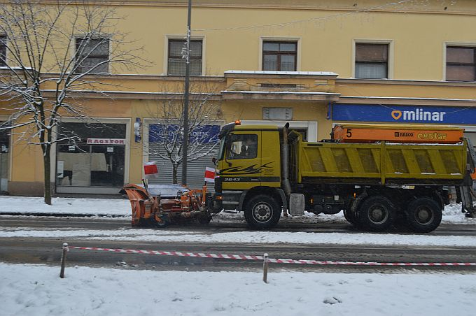 U gradu se promet odvija bez zastoja, ceste se čiste, PZC odrađuje posao