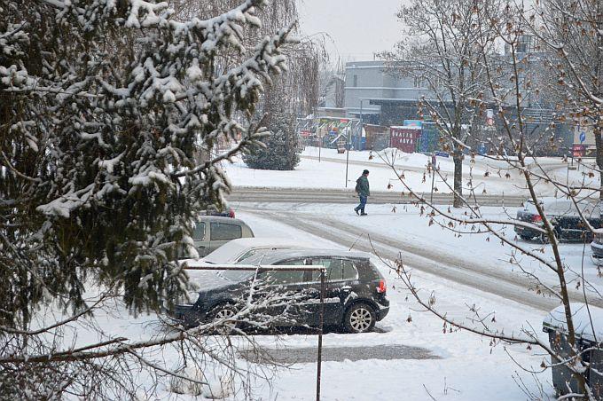 Kolnici su mokri i skliski, temperatura zraka u Slavonskom Brodu je 1 stupanj