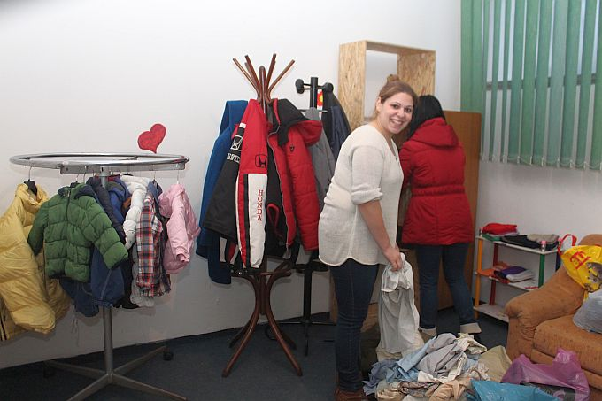"""Prvi komadi odjeće već počeli stizati, u Slavonskom Brodu započela akcija """"Jakna za drugoga"""""""
