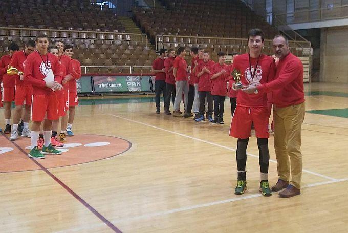 Kadeti najbolji u Tuzli, za najboljeg igrača turnira proglašen Luka Špehar