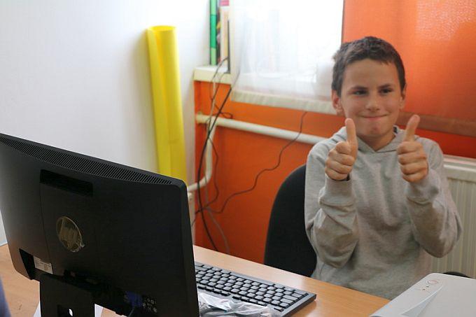 Učenici još jedne gradske osnovne škole od ovog tjedna na raspolaganju imaju nova računala