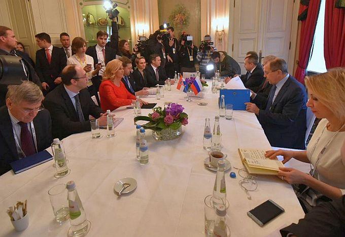 Predsjednica s ministrom Lavrovom dogovorila da se poduzmu mjere kako bi se riješio problem zagađenja zraka iz ruske rafinerije u Bosanskom Brodu