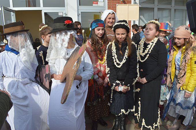 Načelnik Petrik predao ključeve općine Bukovlje malim maškarama