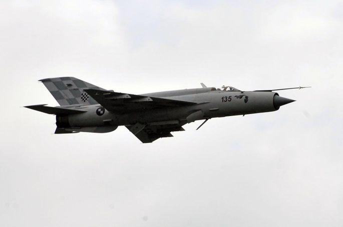 Drama u zraku,u okolici Slavonskog Broda, MiG-u 21 Hrvatske vojske jučer se tijekom leta ugasio motor
