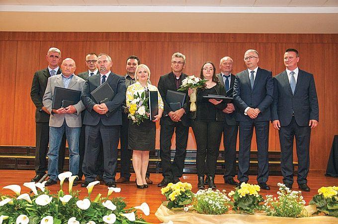 U sklopu Dana županije dodijeljene su županijske nagrade i priznanja najzaslužnijim pojedincima i institucijama