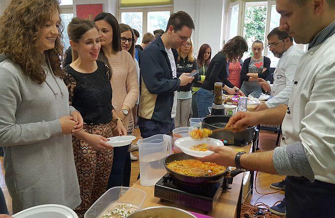 Studenti i mladi učili kako pripremiti zdrava i kuhana jela, na brz i jednostavan način