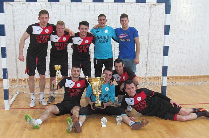 Malonogometna ekipa,  Duh sveti – Slavonski Brod, sudjelovala na Nadbiskupijskoj završnici i osvojila prvo mjesto