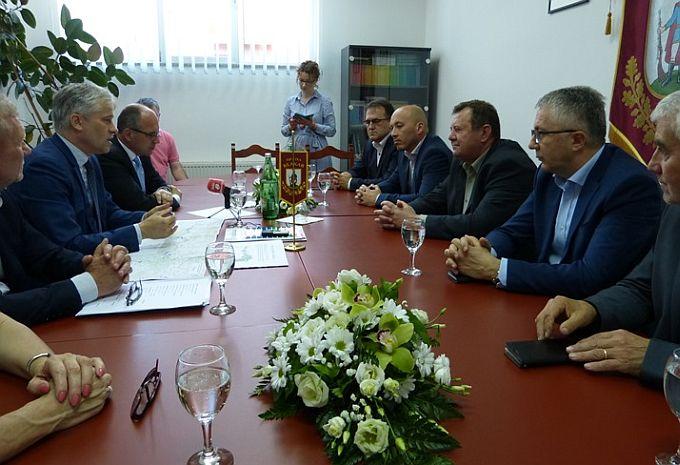7,5 milijuna kuna Brodskoj posavini za rekonstrukciju 5 km savskog nasipa Klakar-Ruščica