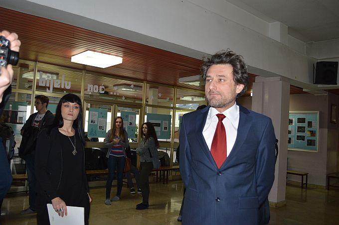 """Nastavnici Gimnazije govore o """"prljavim izborima novog ravnatelja"""" i nepravilnostima, no ravnatelj Goran Zavor sve to kategorički odbija"""