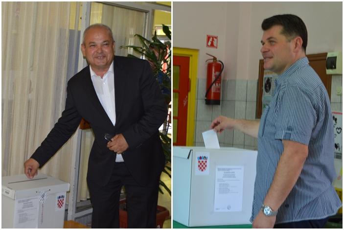 Kandidati za gradonačelnika Slavonskog Broda u pratnji supruga glasali u svojim biračkim odborima