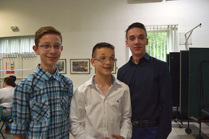 """Mladi filmski trojac, Hrvoje, Leon i Luka promovirali film """"Brod šalje poziv u pomoć"""""""