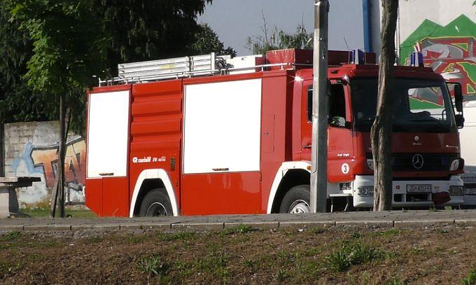 Policija javlja, pronađen ukradeni bager, u Bukovlju, u dvorištu, gorio motor