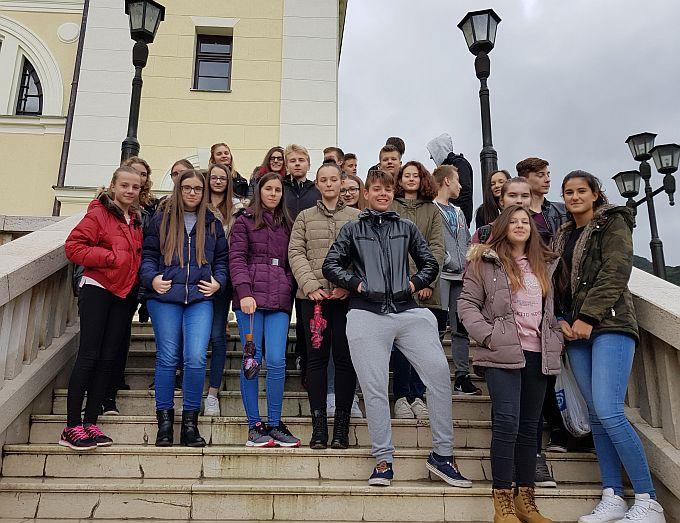 Učenici Gimanzije u sklopu izvanučioničke nastave posjetili Kraljevu Sutjesku i Sarajevo