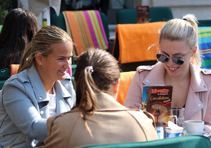 Danas se gušteralo na suncu i uživalo u kavi na Korzu