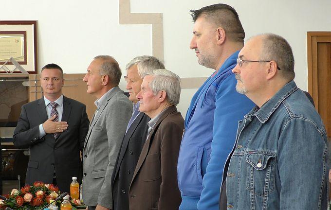 Uz zahvalu za  nemjerljiv doprinos, pomoćnik ministra branitelja Križić uručio rješenja za stambene kredite i financijske potpore