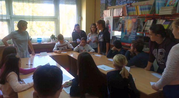 Osnovnoškolci debatirali na engleskom i hrvatskom jeziku o aktualnim temama  kao što su školske uniforme i domaća zadaća
