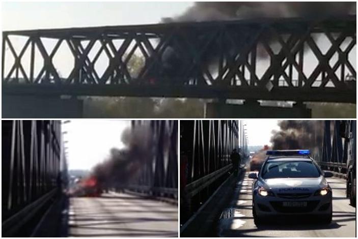 Zbog požara na automobilu, promet je na graničnom mostu bio prekinut 40 minuta