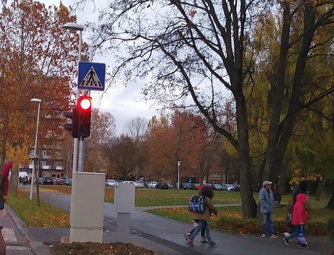 Opasna prometna mjesta u gradu pokrivena LED markerima,  novi semafor u Borovskoj ulici