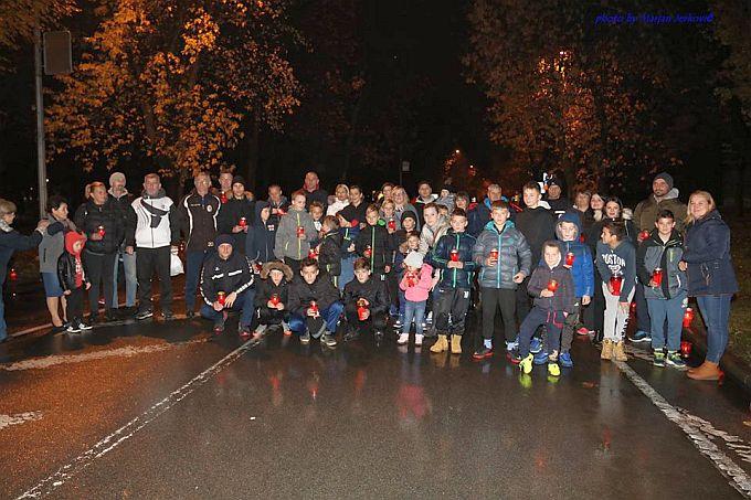 Paljenjem svijeća nogometaši Marsonie sjećaju se žrtava Vukovara