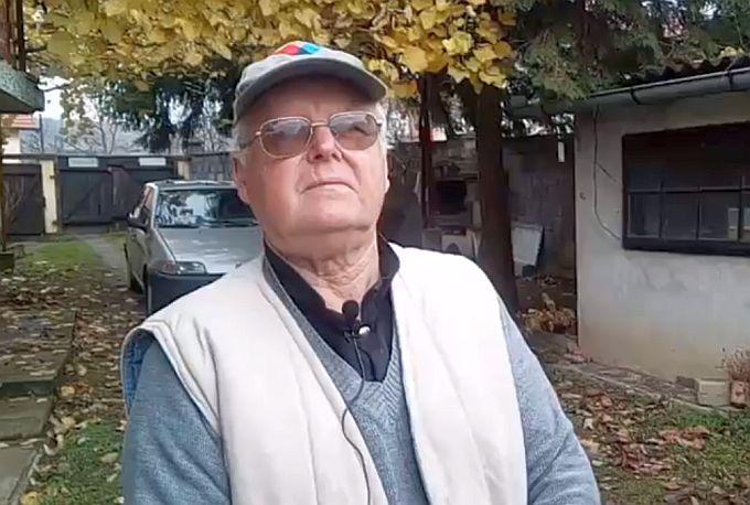 Nikola Novak gradu daruje jelku visoku petnaestak metara, kaže, trebaju samo dva, tri dobra momka za posjeći
