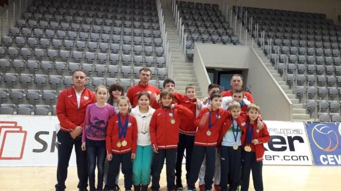 Uspješan vikend Brodskih karatista, svoju sportsku riznicu obogatili su s 24 nova odličja