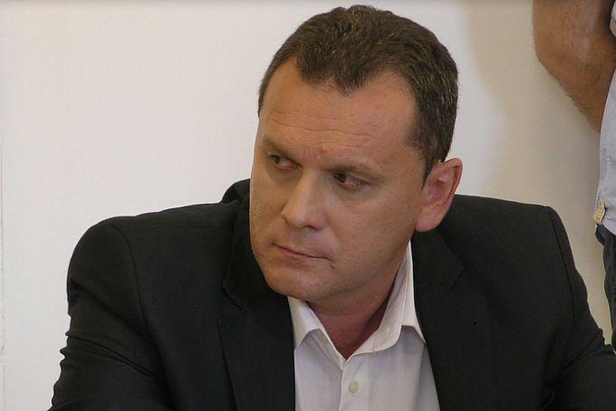 SDP-ovci izabrali predsjednika Gradske organizacije, njegovo ime ne smijemo izgovoriti na glas, jer nam nije htio dati izjavu