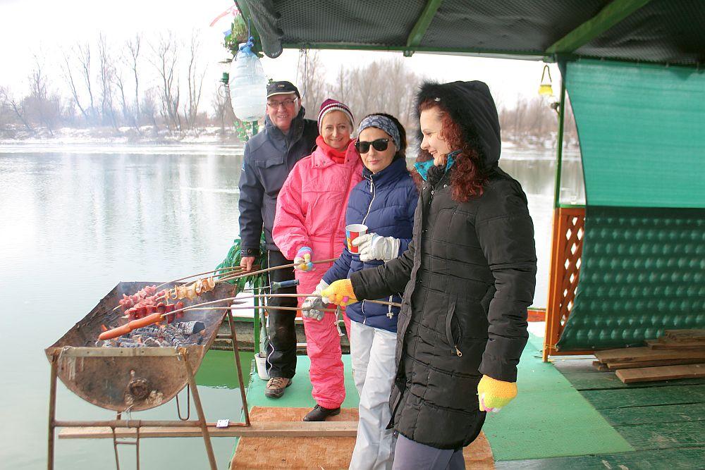 Temperatura u Slavonskom Brodu danas 15 stupnjeva, sjetimo se prošle godine, u ovo doba, - 8 stupnjeva i djelomično zaleđena Sava