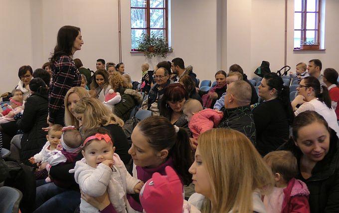 Dragi roditelji, prva rođena beba u obitelji osim redovite naknade dobiti će i opremu u vrijednosti od 5 tisuća kuna, po tome smo prvi u Hrvatskoj