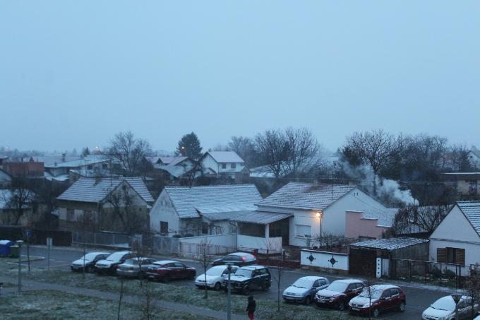 Jutros u Slavonskom Brodu magla, malo snijega i temperatura u minusu