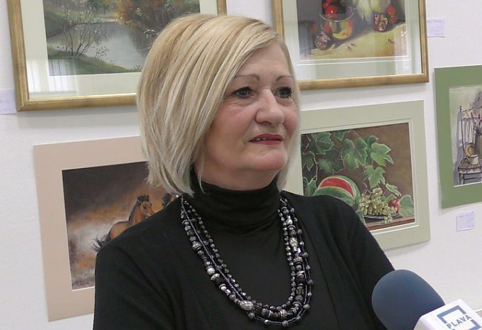 Za neke je danas najdepresivniji dan u godini, za razliku od njih Snježana Čujić uživa u danu u kojem je darivala slike za izložbu