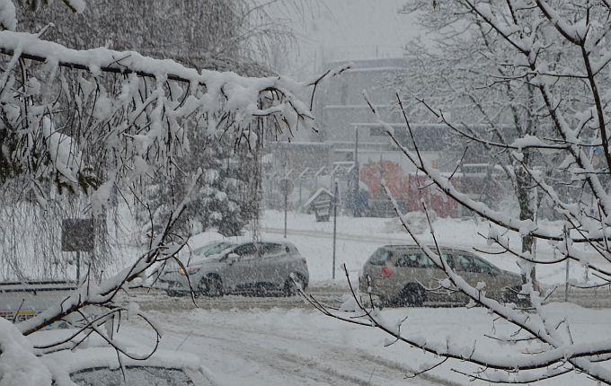 Dragi vozači, vožnju prilagodite uvjetima koji vladaju na cestama, držite razmak, bez zimske opreme nikuda