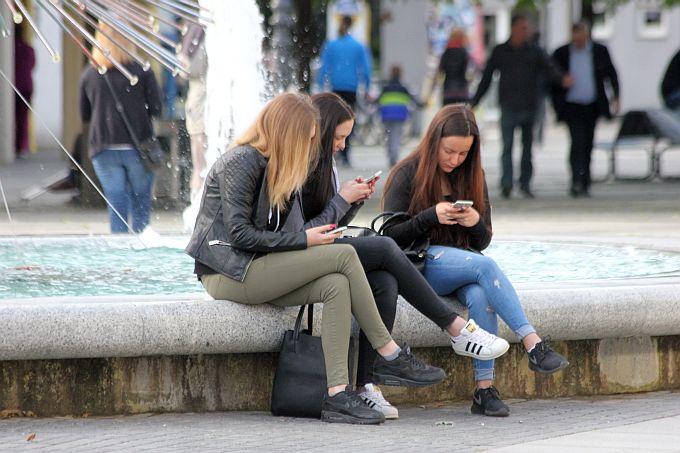 Društveni alarm u Hrvatskoj: Postali smo totalno ovisni o mobitelima