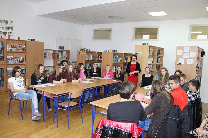 Učenici iz Gundinaca i Sikirevaca družili se uz knjige (nelektirne!)