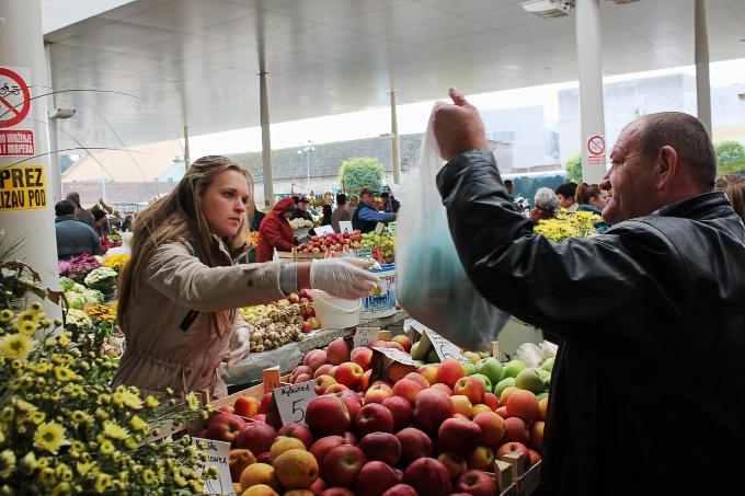Cijene voća veće za gotovo 40 posto, žitarice skuplje za 18,5 posto