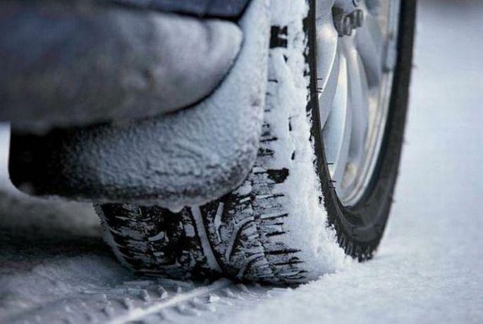 HAK upozorava: snijeg otežava vožnju u unutrašnjosti, vjetar na moru, a pazite se poledice