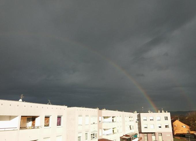 Jutros duga iznad Slavonskog Broda, kolnici su mokri, kiša će nas pratiti cijeli dan