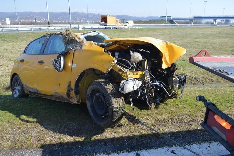 I kod Slobodnice prometna nesreća s ozlijeđenim osobama
