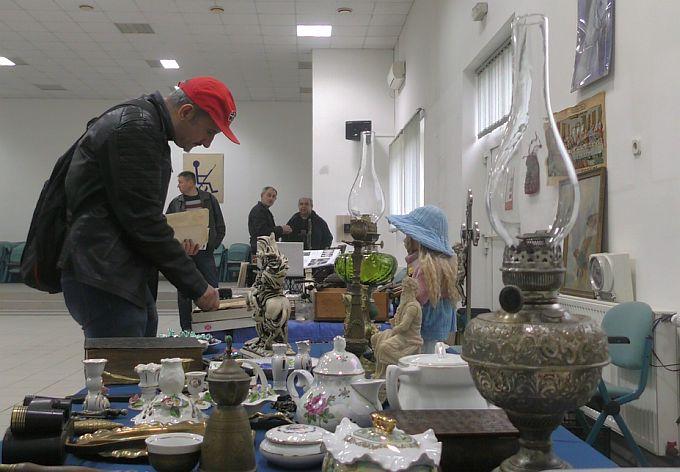 Na sajmu anitkviteta u Slavonskom Brodu saznali smo da novčanica od 50 kuna iz 40.-tih godina vrijedi četiri tisuće kuna
