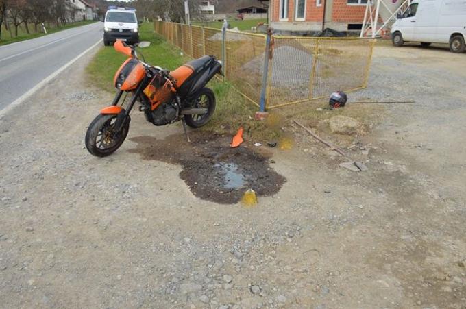 U prometnoj nesreći stradao motociklist