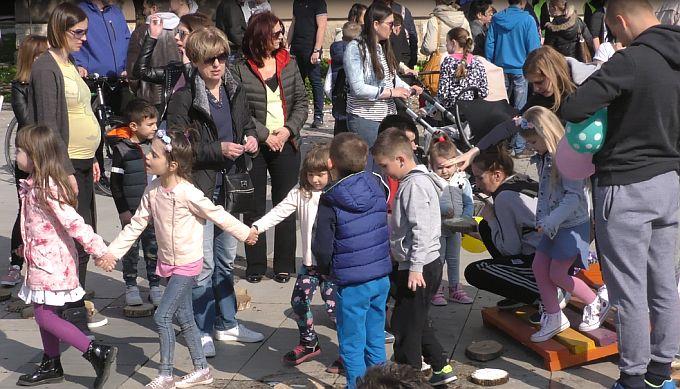Brođani obilježili Dan zdravlja: Stali su u obranu prava djece na čist zrak,  čistu vodu i dostojanstveni život u gradu