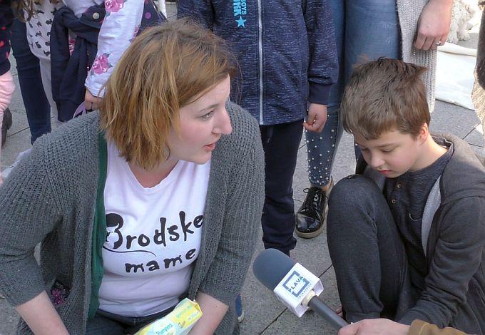 Brodske mame u emotivnom prosvjedu u Zagrebu traže, nakon devet godina onečišćenog zraka, pravo na život