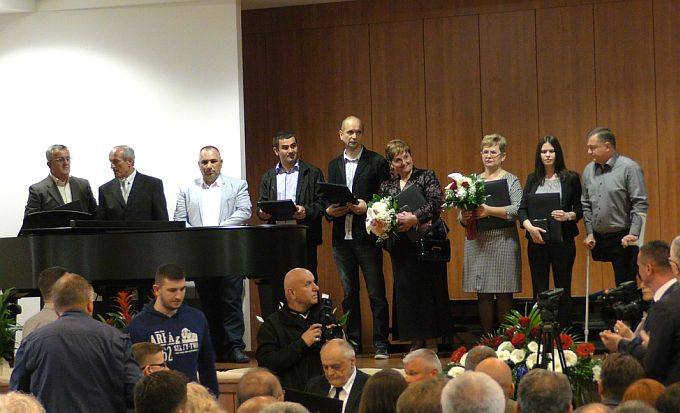 Pojedincima, tvrtkama i ustanovama dodijeljena su danas županijska priznanja i nagrade.