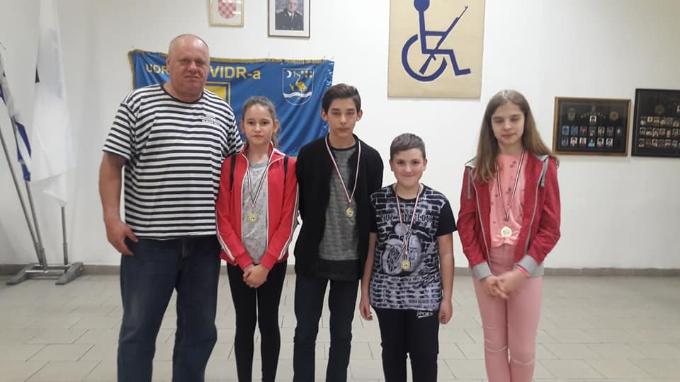 Nakon izlučnog turnira u šahu za kadete, troje najboljih putuju u Split na Sportske igre mladih