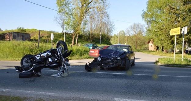 U prometnoj nesreći kod Slavonskog Broda, teško ozlijeđen motociklist