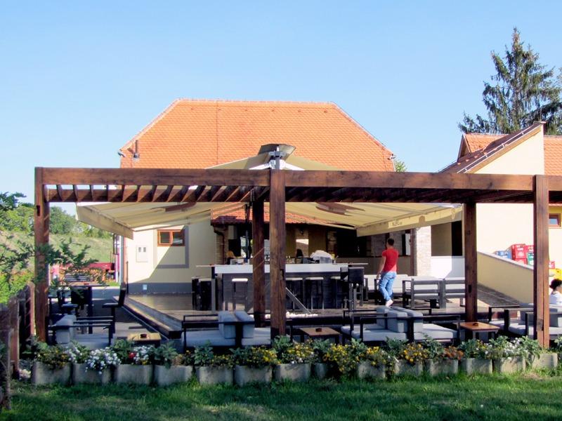 """Caffe bar """"Kapelanov stan"""" u četvrtak poziva na otvorenje uz odličan program, tortu i svirku Dominika&Co"""