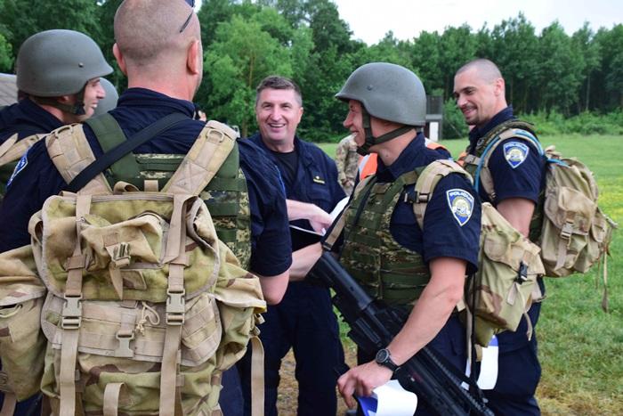 Krešimir Šimić, brodski interventni policajac na natjecanju za najspremnijega  pripadnika Oružanih  snaga  Republike  Hrvatske