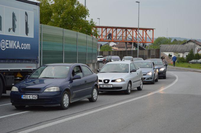 Na litri benzina u Bosni uštede se dvije kune, a usput se kupuje i duhan