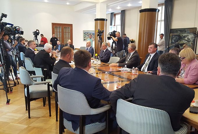 Davor Vlaović postavio je pitanje ministru Tolušiću o njegovoj ulozi o provođenju donesenih zakona s područja poljoprivrede